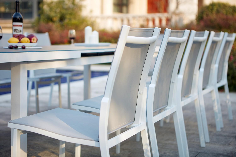 Ensemble table de jardin extensible en aluminium Moniga 10 - Concept ...