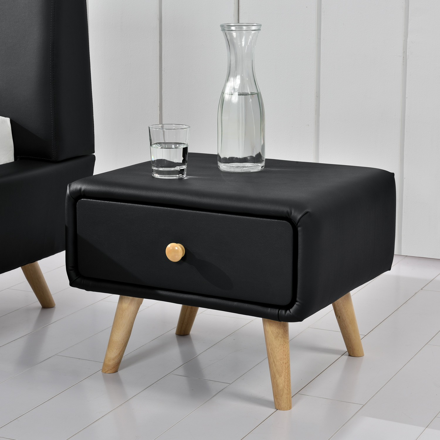 miko noir table de chevet scandinave noir avec 1 tiroir et 4 pieds en bois. Black Bedroom Furniture Sets. Home Design Ideas